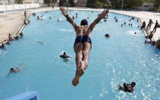 Как научиться нырять в воду разными стилями