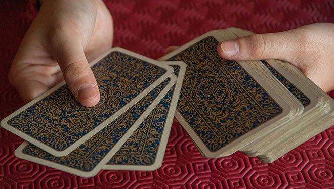 перебор карт в руках