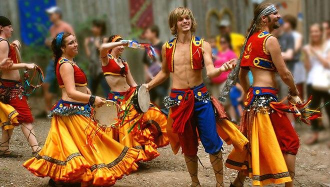 цыгане танцуют
