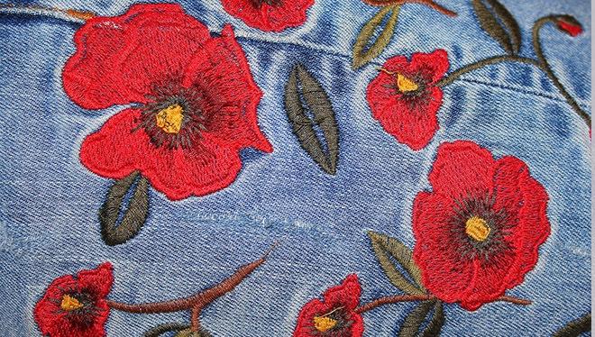 цветы на джинсах