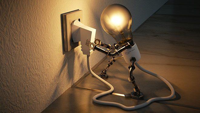 лампочка выдергивает шнур из розетки